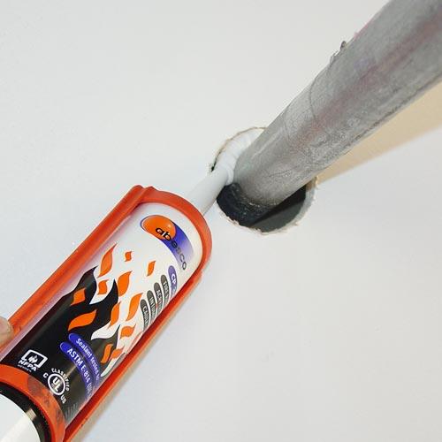02-CP310-caulk-white-application