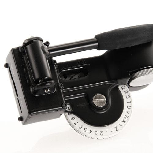 Dymo Rhino M1011 Metal Tape Embosser -detail
