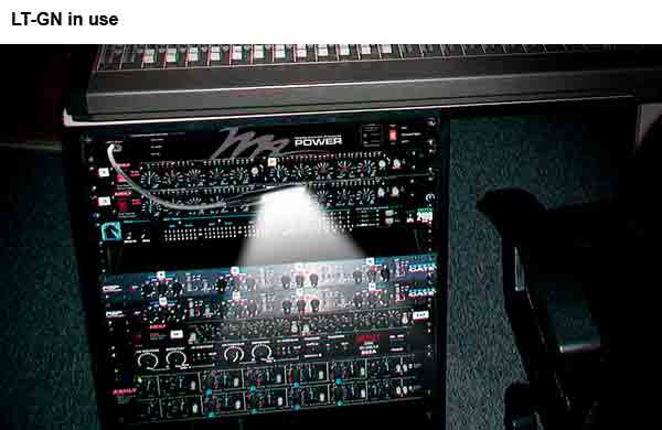 Middle Atlantic Gooseneck Interior Rack Light with usb adapter in use icon