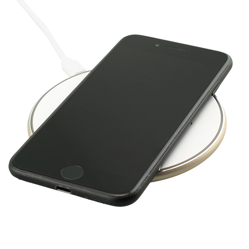Rose Desktop wireless charger in use