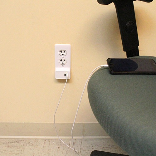 Quest USB Charger